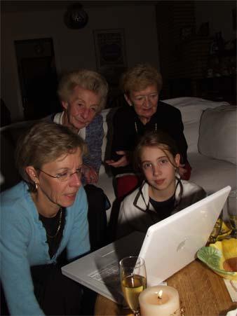 Ensuite, tout le monde se réunit autour de l'ordinateur. Un clic, et les  voilà en contact para-psychologique avec l'un de leurs membres qui n'a pu  se ...